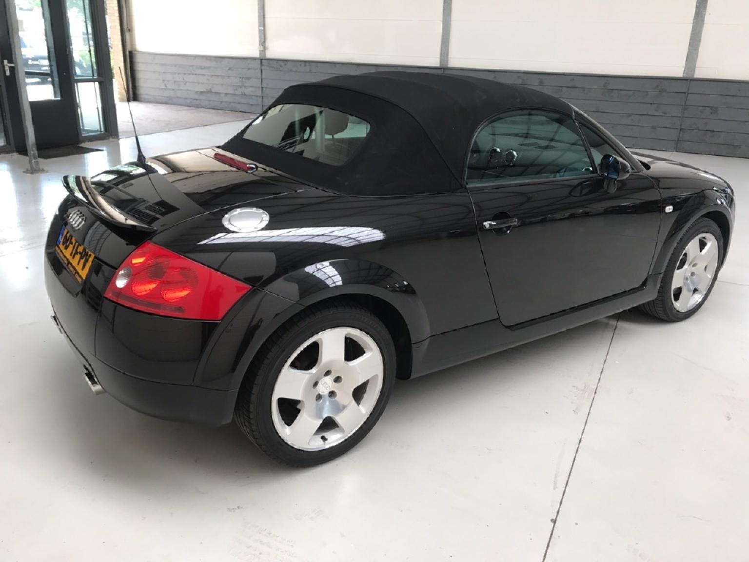 Audi-TT-7