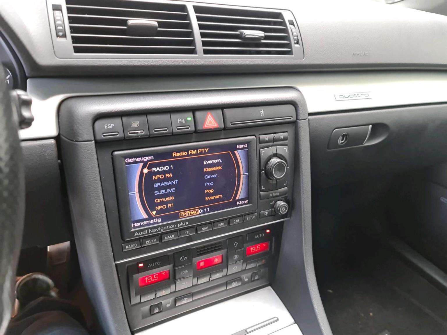 Audi-RS4-24