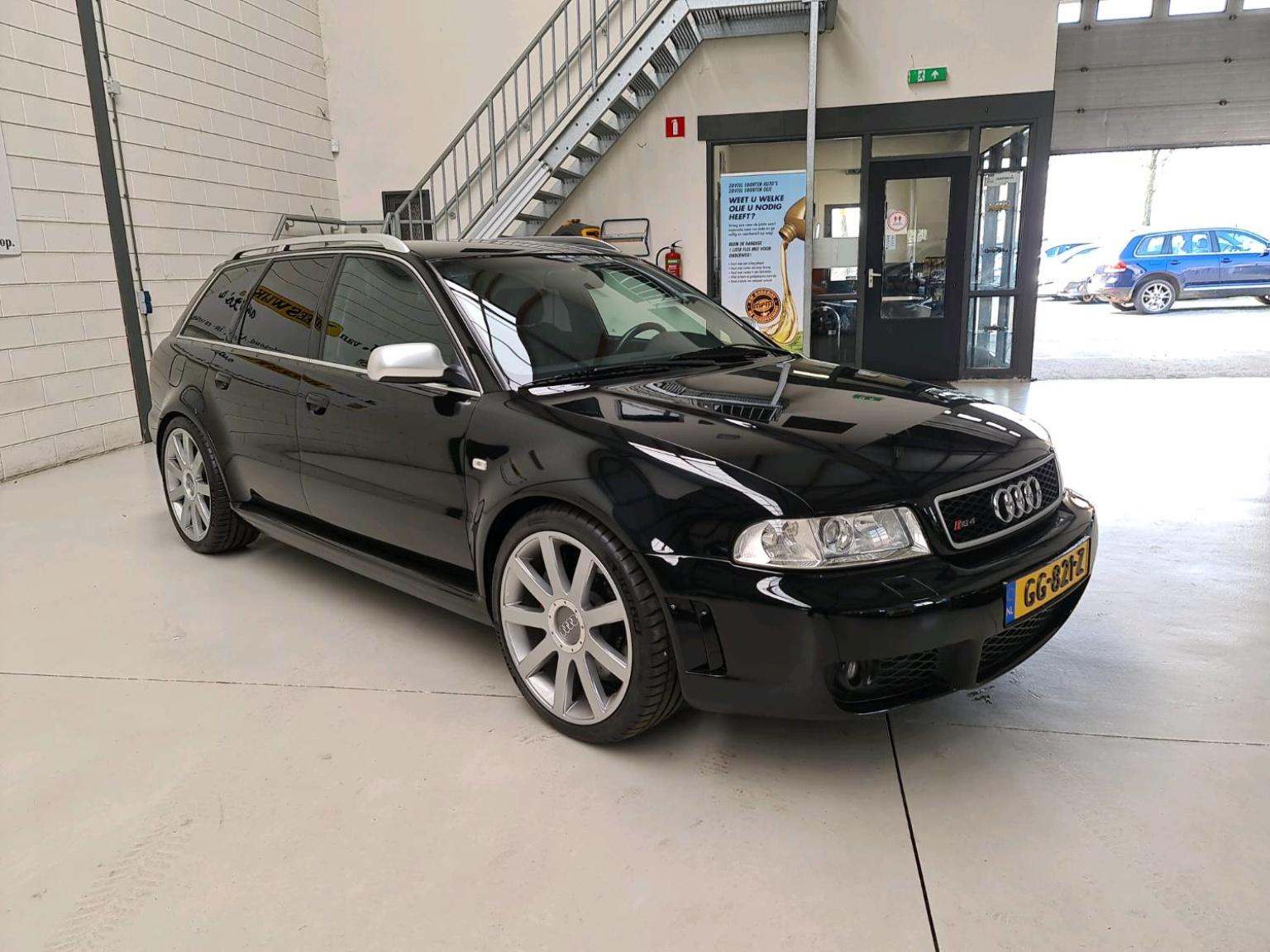 Audi-RS4-7