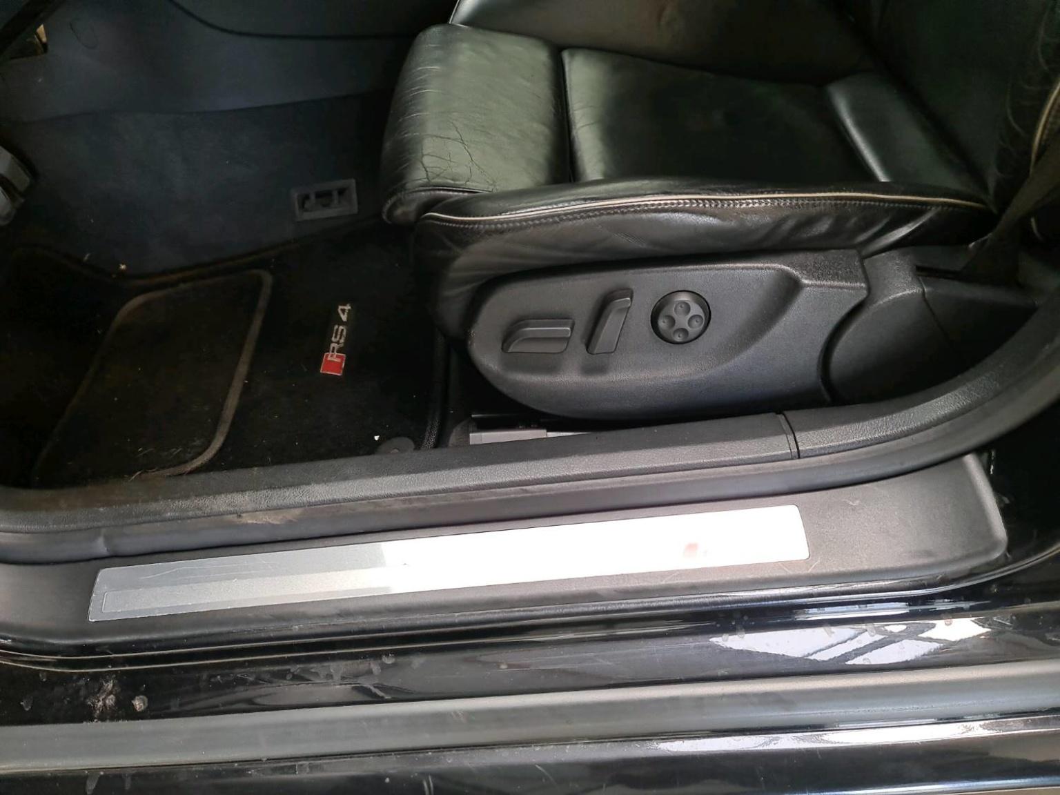 Audi-RS4-17